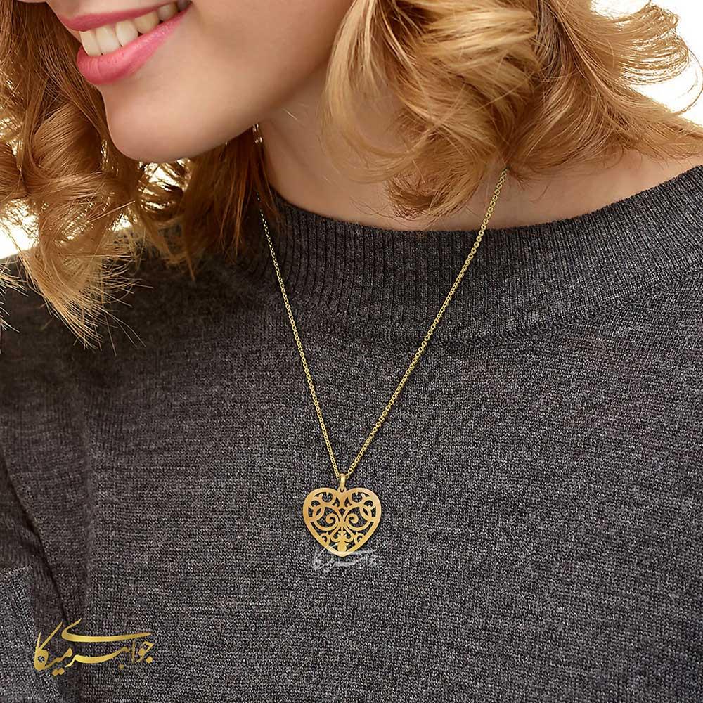 آویز گردنبند قلب اسلیمی طلا 18 عیار کد 0610304 مانکن